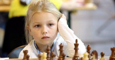 Во всех школах Челябинской области появятся уроки по шахматам